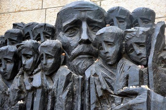 "Jerusalem - Denkmal ""Janusz Korczak und die Ghettokinder"" in Yad Vashem"
