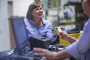 kaufung gmbh planen und zelte gmbh kaufen in der schweiz Shop gesellschaft kaufen kredit Firmenmäntel