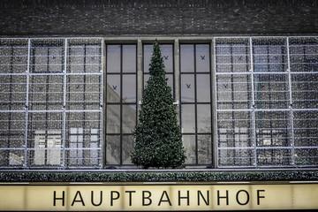 Tannenbaum am Düsseldorfer Hauptbahnhof