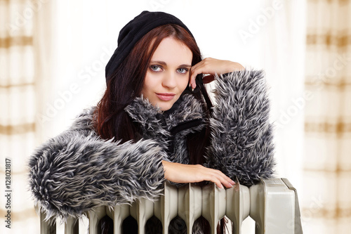 heizen im winter 128021817. Black Bedroom Furniture Sets. Home Design Ideas