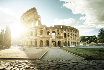 Fond de hotte en verre imprimé Rome Colosseum in Rome and morning sun, Italy