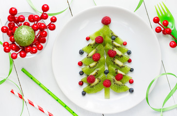 Funny edible Christmas tree, Christmas breakfast idea for kids