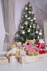 christmas tree, teddy bears & presents