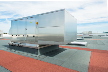 Keuken foto achterwand Industrial geb. air conditioning ventilation outdoor unit on the roof top of industrial building plant