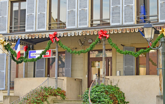 L Isle Adam, France - december 28 2015 : picturesque city in win