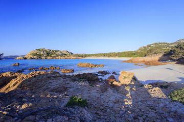 Arcipelago della Maddalena, la meravigliosa Sardegna e la spiaggia rosa.