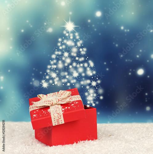 berraschung weihnachtsgeschenk stockfotos und lizenzfreie bilder auf bild. Black Bedroom Furniture Sets. Home Design Ideas