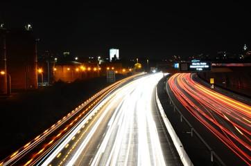 Verkehr auf der Autobahn Langzeitbelichtung