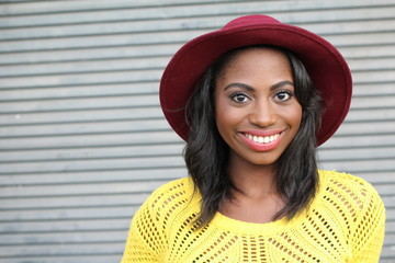 Portrait beautiful smiling young hip african woman - Stock image