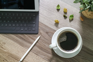 Coffee cup and Digital table dock smart keyboard,vase flower her