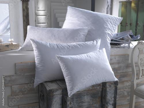 bettwaren stockfotos und lizenzfreie bilder auf bild 128448072. Black Bedroom Furniture Sets. Home Design Ideas