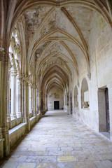Allée du cloître du Monastère royal de Santes Creus, Catalogne, Espagne