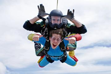 Skydiving tandem ok