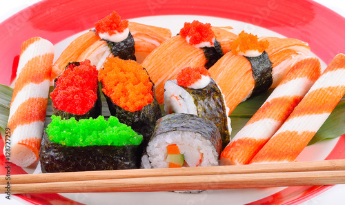 sushi set on a plate stockfotos und lizenzfreie bilder auf bild 128727259. Black Bedroom Furniture Sets. Home Design Ideas