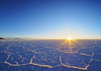 Bolivia, Potosi Department, Daniel Campos Province, Sunrise over the Salar de Uyuni, the largest salt flat in the world.