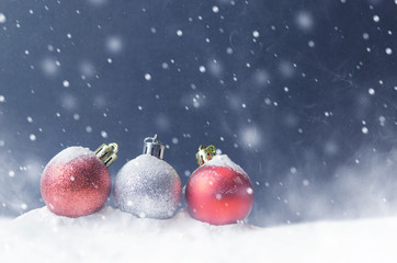 Fototapete - Christmas white and red balls with snowflake on abstract background holiday, copy space, Winter
