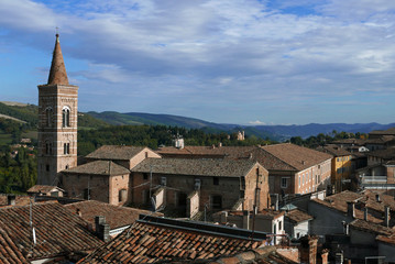 Eglise San Francesco à Urbino, Italie