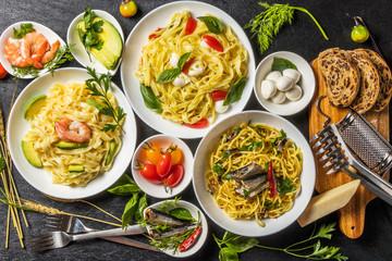 イタリア食材 生パスタ  Raw pasta and Italian ingredients