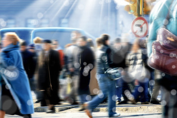 people on busy street Fotomurales