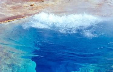 Thermalquelle Blesi, Transparent pool, Haukadalur, Thermalfeld des Großen Geysir und des Strokkur,  Heißwassertal Haukadalur, Suðurland, Island, Europa