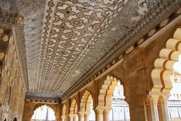 Foto auf Leinwand Befestigung Ceiling of Jai Mandir (Mirror Palace) in Amber Fort, Rajasthan,