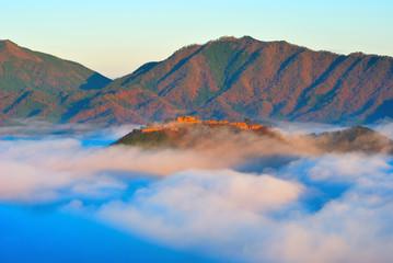 雲に浮かぶ竹田城