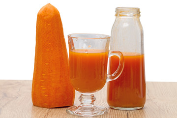 Fresh carrot and juice from it