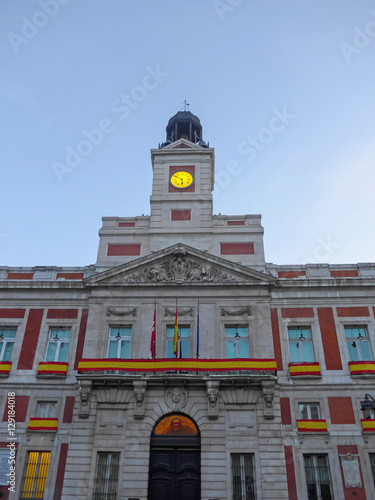 Casa de correos madrid stock photo and royalty free for Casa de correos