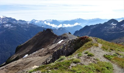 North cascades mountain range from Ptarmigan ridge trail