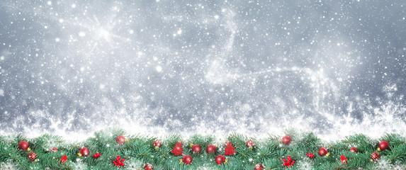 Weihnachtshintergrund, Weihnachtsdekoration vor Bokeh