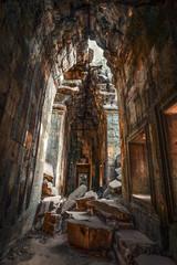 Angkor, rovine delle gallerie del  Ta Phrom