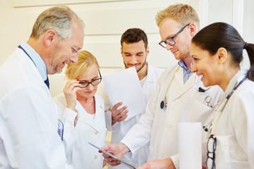 Ärzte in einem Meeting