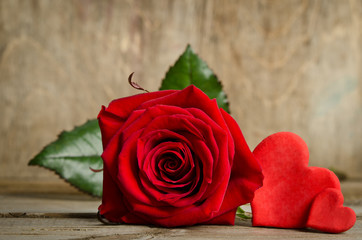 Red rose with handemade valentines around