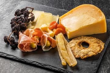 高級チーズのオードブル  Cheese hors d'oeuvre