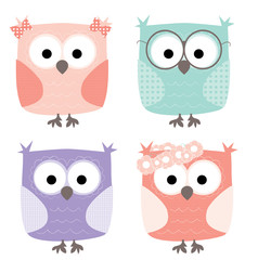 4 cute little cartoon owls set / vector illustration