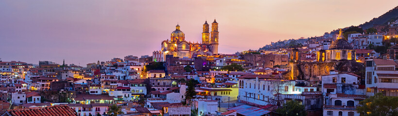 Spoed Fotobehang Mexico Panorama of Taxco city at sunset, Mexico