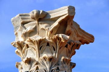 Säulenkapitell in der antiken Kreuzfahrerstadt Caesarea Maritima