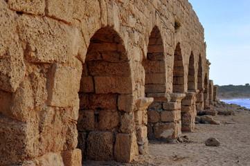 Römisches Aquädukt in der alten Römerstadt Caesarea