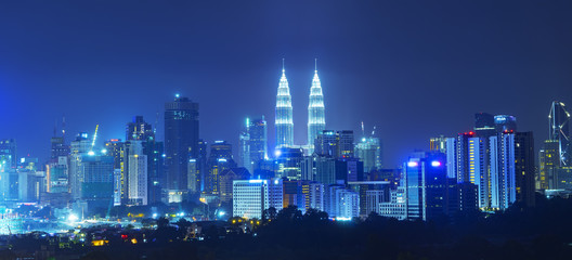 Fotobehang Kuala Lumpur Petronas Twin Towers were the tallest buildings (452 m) in the world from 1998 to 2004.
