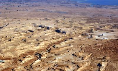 Traumhafter Blick in die unendlichen Tiefen der Wüste