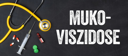 Stethoskop und Medikamente - Mukoviszidose