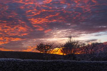 Sonnenuntergang an einem Winter Tag