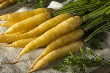 Raw Organic Yellow Baby Carrots