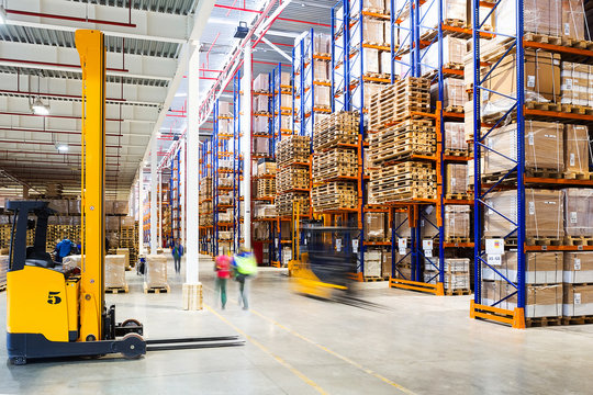 Working day in the modern large warehouse
