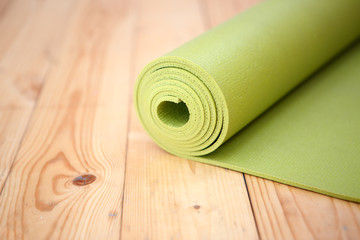 Green twisted rug for fitness