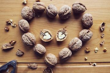 Грецкие орехи в форме сердца
