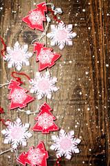 Alberelli e fiocchi di neve per Natale