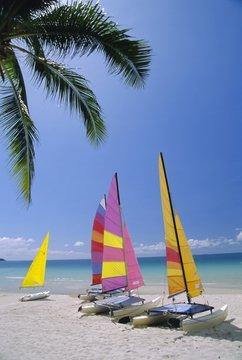 Sail boats on Chaweng Beach, east coast, Koh Samui (Ko Samui)