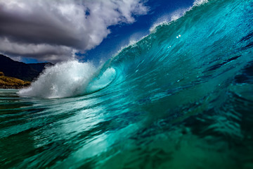 Wall Mural - Hawaiian surfing wave with nobody. Waterscape with clear water