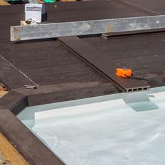 fabrication terrasse en bois autour de la piscine
